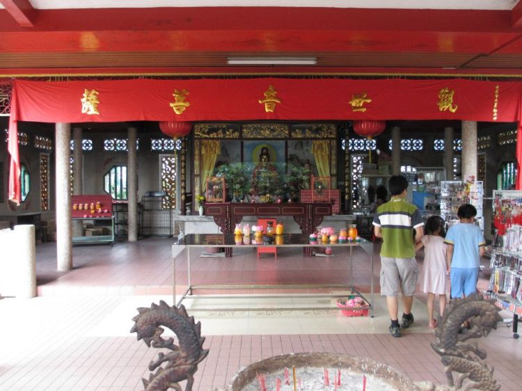 A typical temple prayer hall.