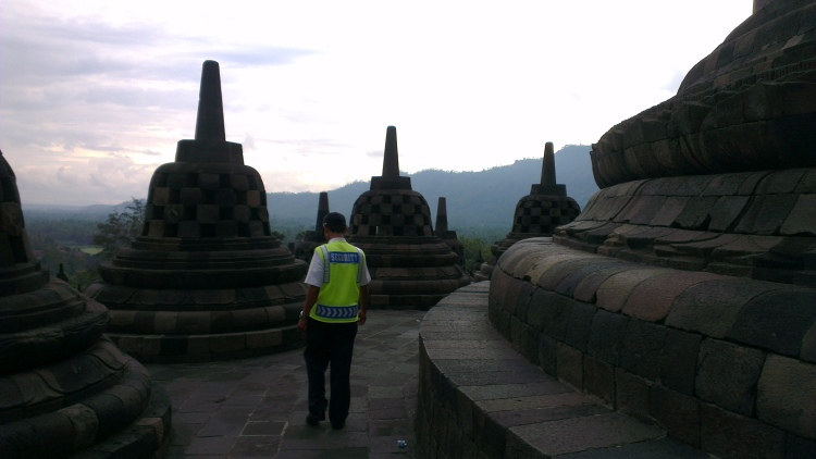 A lot of stupas and some of it contained the statue of Buddha...