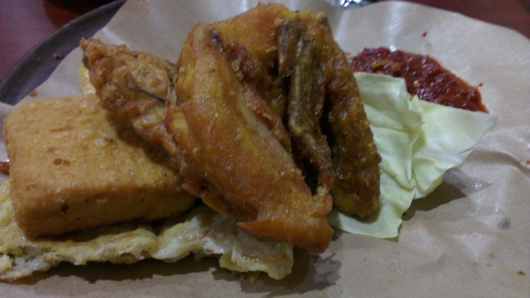 This-is-super! [Ayam Penyet/Smashed Chicken]