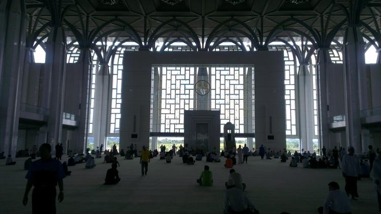 The main prayer hall...