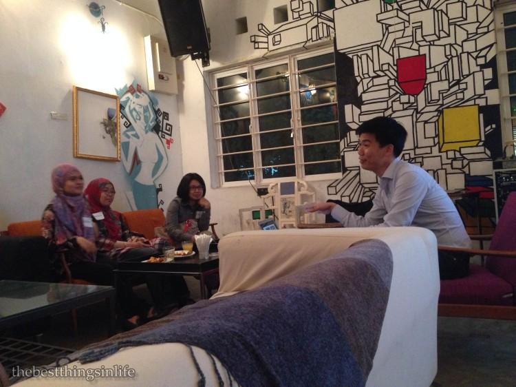 JJ Chia, one of the top gun at airbnb giving us the overview.